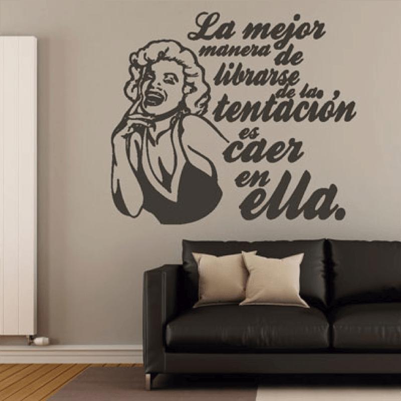 Simulacion sobre pared vinilo frase Marilyn