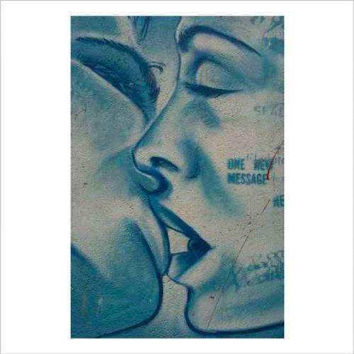graffitis urbanos, el beso