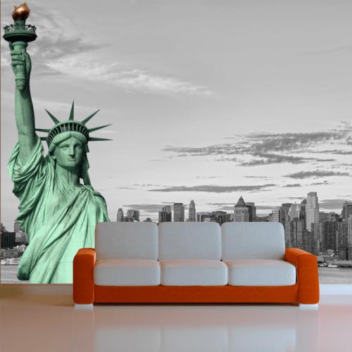 Simulacion fotomural estatua de la libertad sobre Nueva York